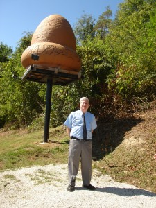 Stan Gordon near the mockup of the Kecksburg UFO.
